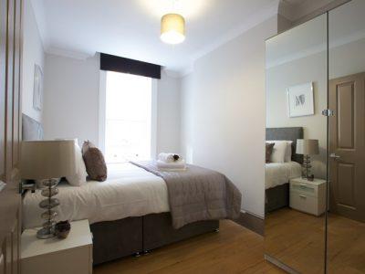 deep-blue-fitzroviabedroom2