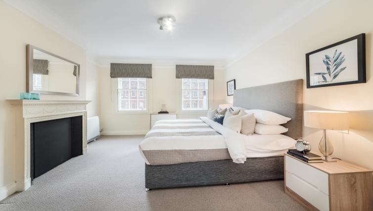 Grosvenor-Flat-16--Chester-House---(2)_58b054b5e13f7