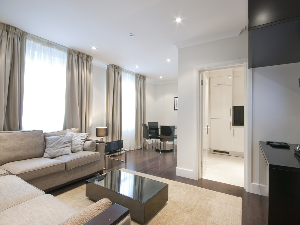102 - one bedroom - Superior - living room